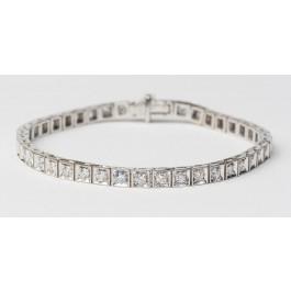 18K White Gold Tennis Bracelet set With 67 Diamonds 4 Pt each Total  2.70 Ct  VS/H