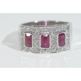 18 Karat White Gold Ring Set with 32 Diamonds 0.64 Carat VS/H & 3 Fine Rubies Size 7.6
